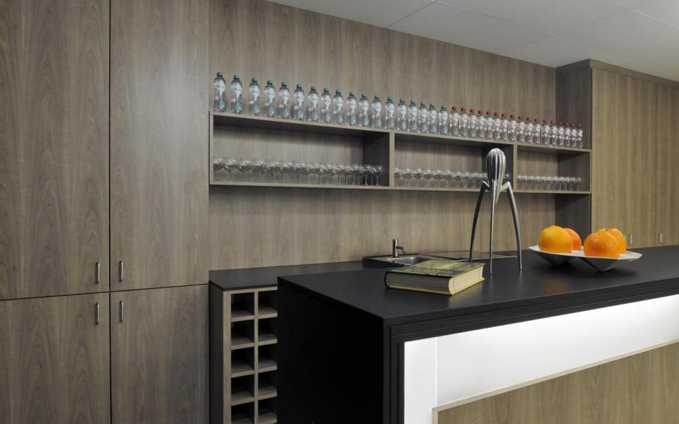 restaurant vti dewil architecten. Black Bedroom Furniture Sets. Home Design Ideas